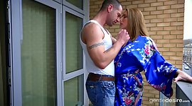 British milf Paige Turnah shows a..